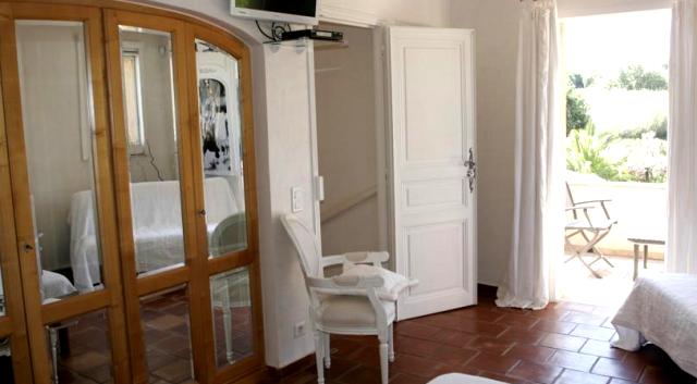 Chambre confortable avec terrasse