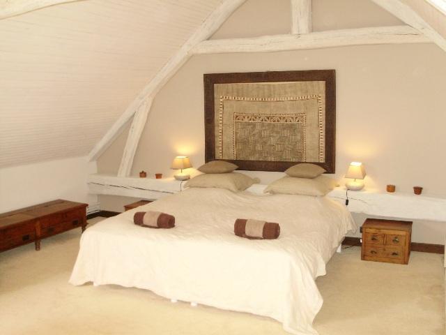 Chambre design et spacieuse