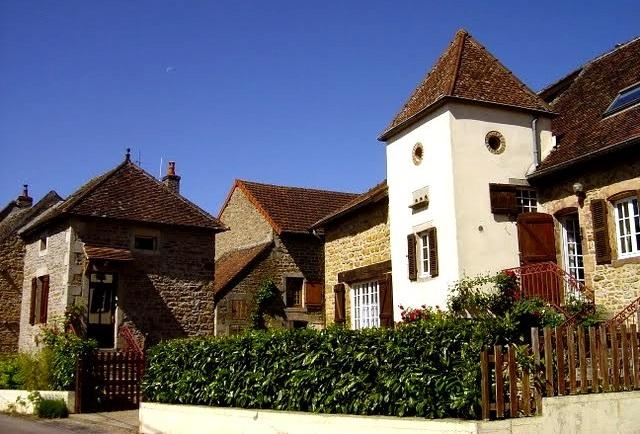 Petit village bourguignon