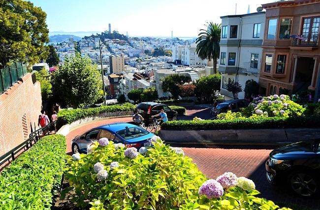 Lombard Street, la rue la plus sinueuse de San Francisco