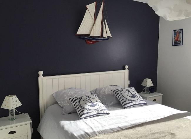 Villa avec grand lit avec grand placard