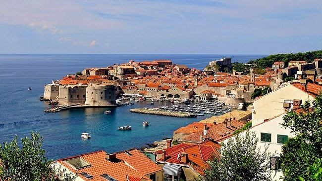 Vue sur la mer Adriatique depuis Dubrovnik