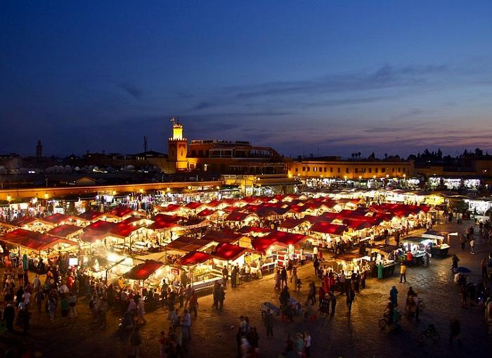 La place Jemaa El Fna, un incontournable de Marrakech